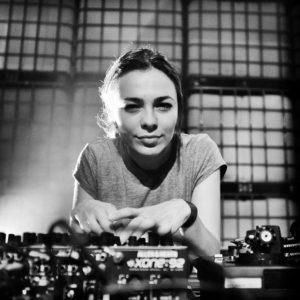 Nina Kraviz Essential Mix 07/10/2017